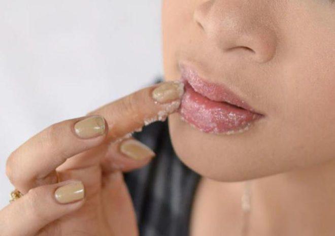 Гусиный жир для губ